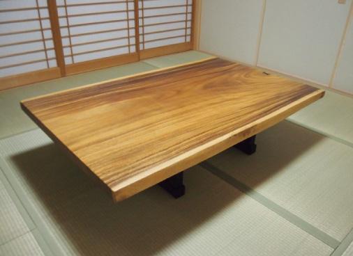 モンキーポッド 一枚板テーブル写真1