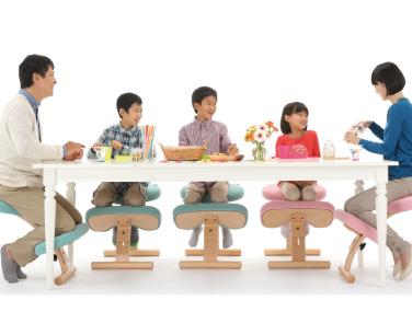 バランスチェア食卓