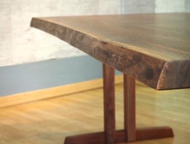 飛騨『ブックマッチテーブル』
