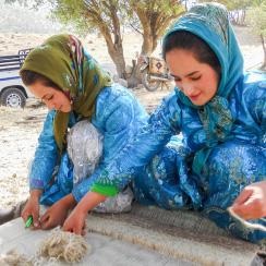 イランの織り子